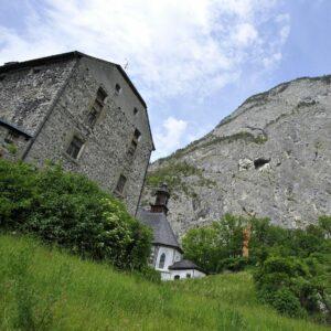 Blick auf die Martinswand und Kaiser-Max-Grottebei Zirl