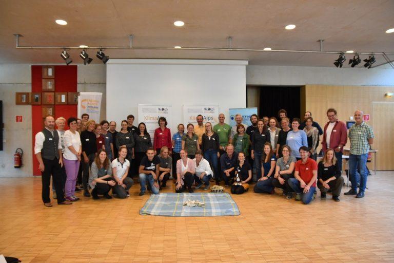 Gruppenfoto der Teilnehmer der KlimaAlps Auftaktveranstaltung