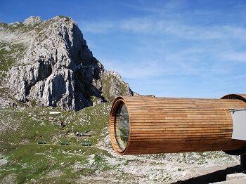 begehbares fernrohr des museums bergwelt karwendel