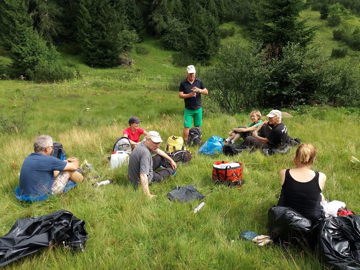 Das Team Karwendel macht Pause am Issanger