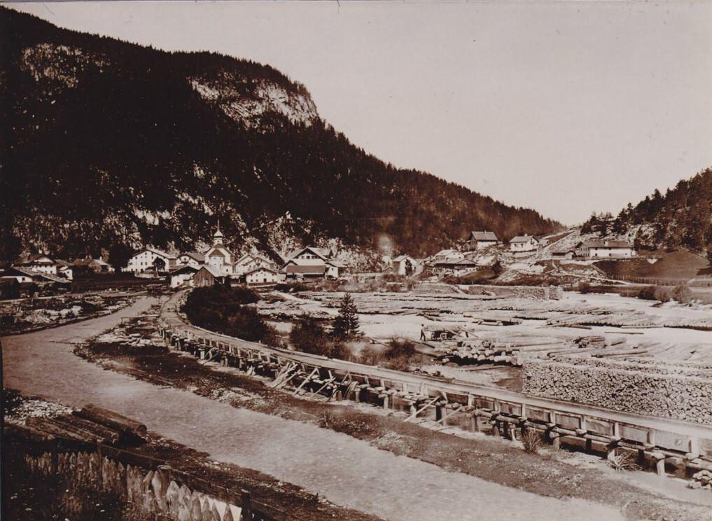 Historische Aufnahme der Holzdrift