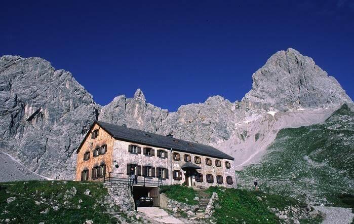 Lamsenjochhütte (1953m)
