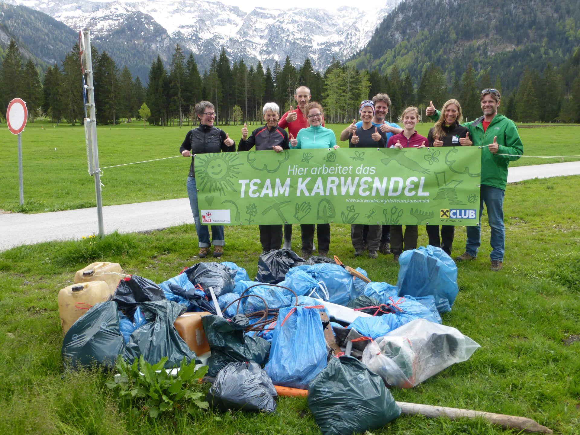 Team Karwendel nach Müllsammelaktion 2015
