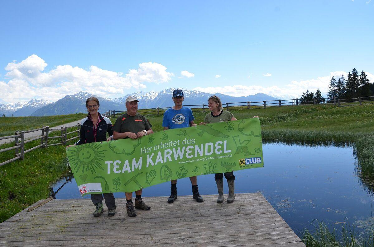 Team Karwendel bei Reinigungsaktion an den Walderalmteichen 2017