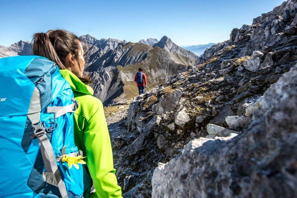 Wanderer auf dem Karwendel Höhenweg